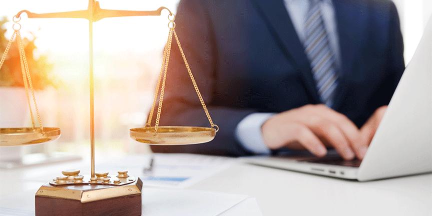 Rechtsanwältinnen und Rechtsanwälte interessieren sich für die Cloud